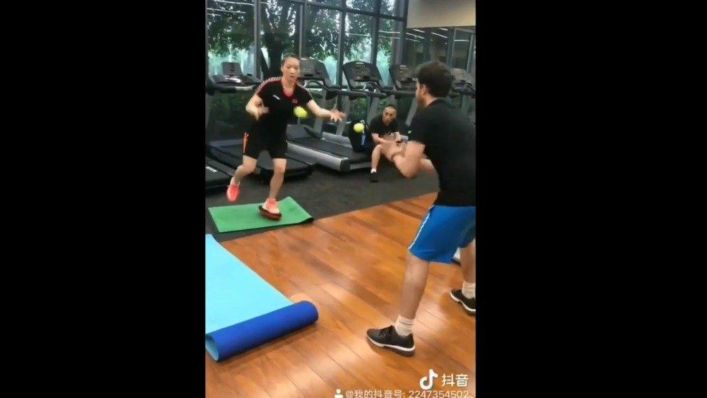 来看看黄雅琼平时是怎么训练的