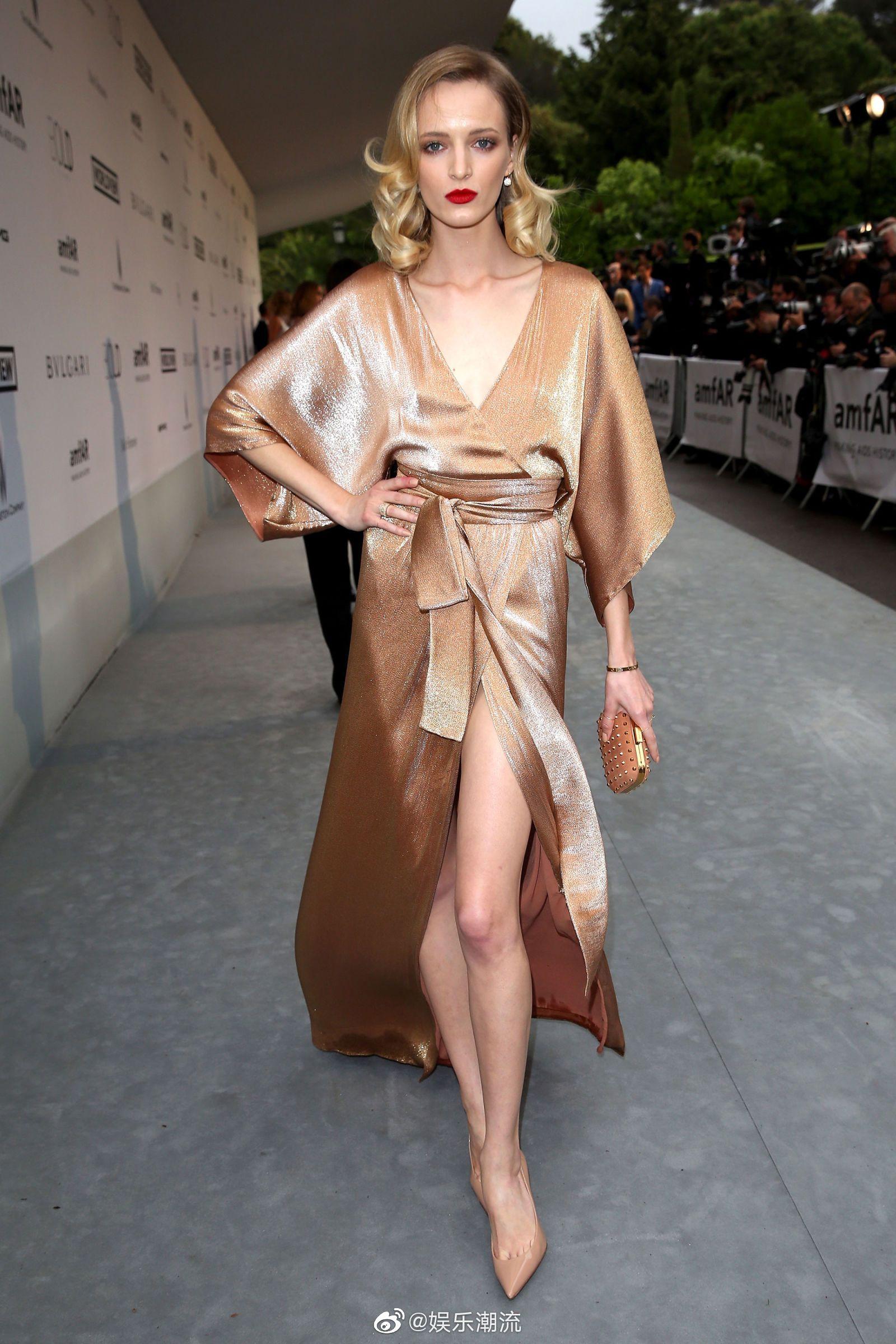 Daria Strokous × 2014年戛纳电影节造型 | 一袭香槟色长袍