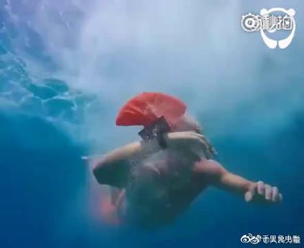 世界卫生组织估计,每年有37万人死于溺水,而这个手环