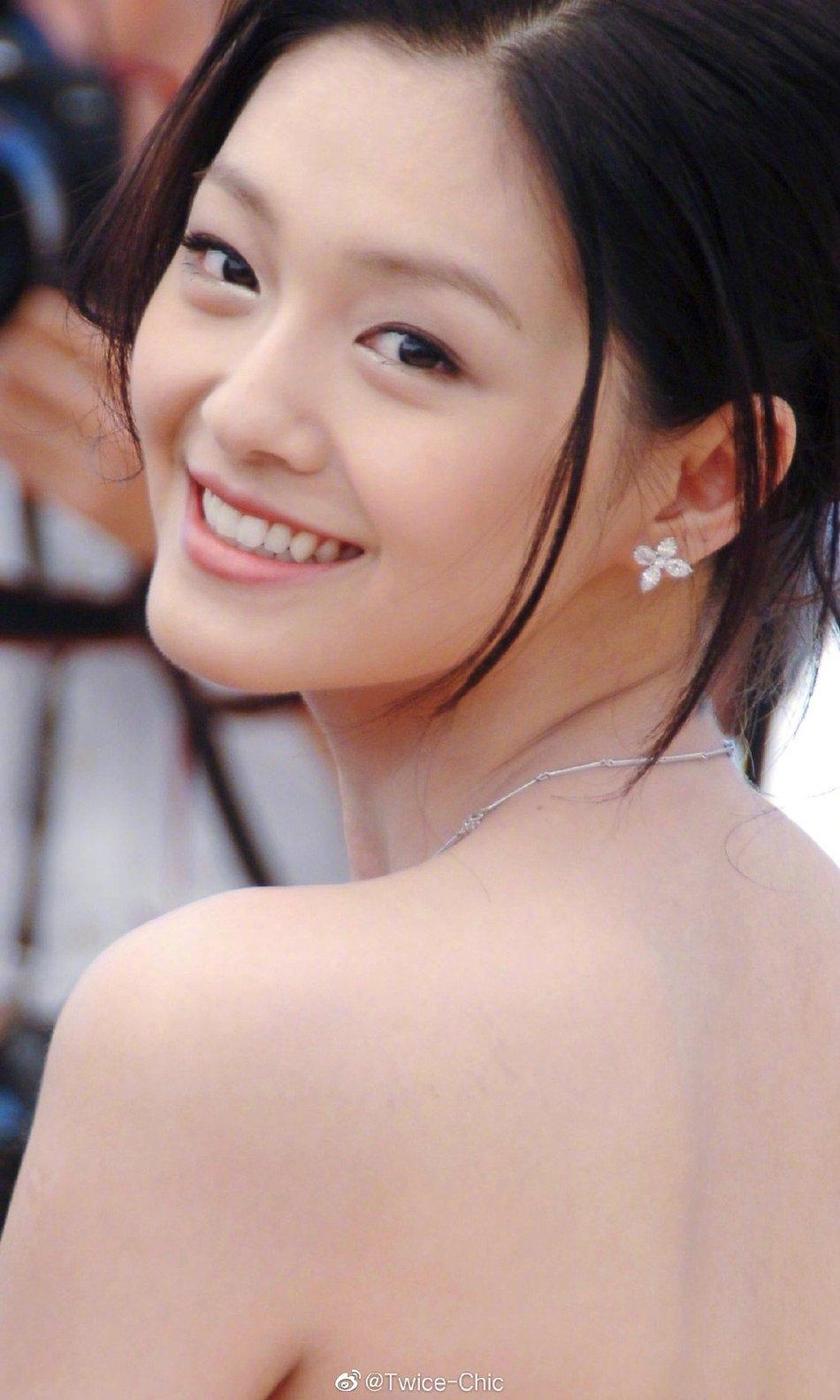 2006年,大S亮相戛纳电影节,30岁的她依然满满少女感~