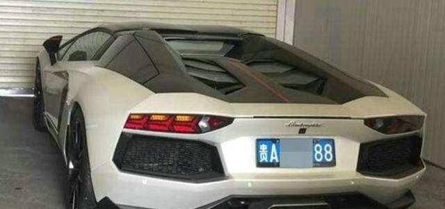 老干妈车库私藏的超跑,688万大牛比幻影更贵,是她儿子的座驾