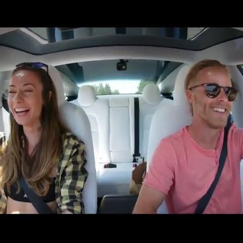 如何让副驾驶的她开心得像个孩子 (来自网友 mikepfau)