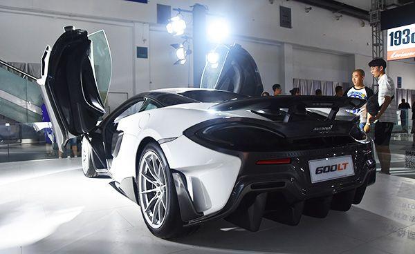 开上它你是整条街最靓的仔迈凯伦720S Spider与600LT汽博会首秀