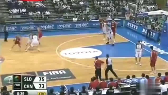 你还会去看男篮的比赛吗?看看当年王治郅和姚明……
