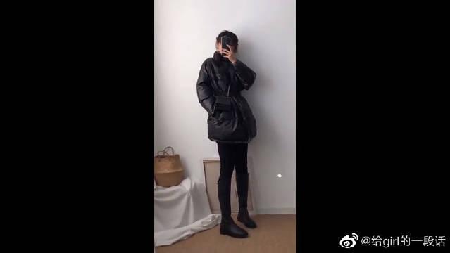 黑色棉衣搭配黑色小脚裤,个性又时尚的穿搭,炫酷好看!