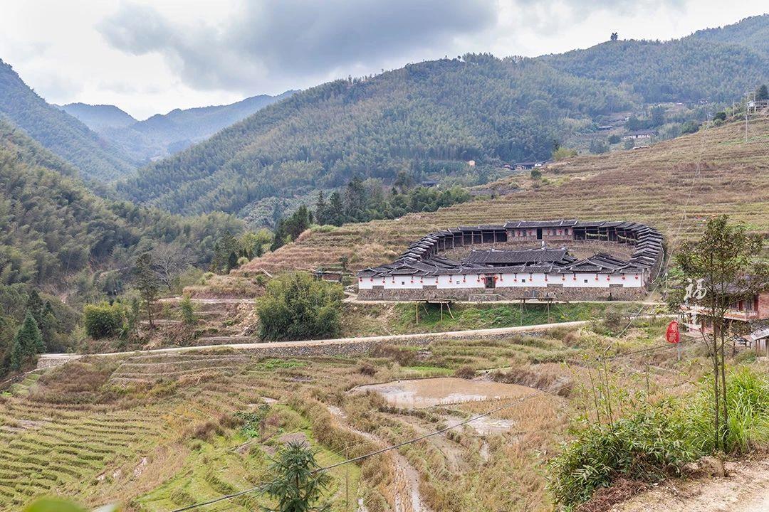 在福建深山中 发现一种你可能从未见过的特殊建筑