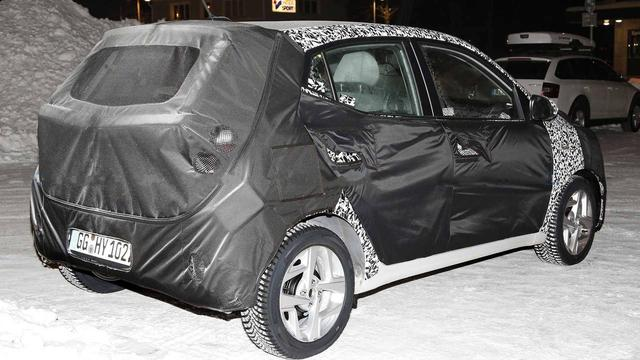 现代推出第三代两厢车,微型带T才卖7万,竞争MINI讲究实用