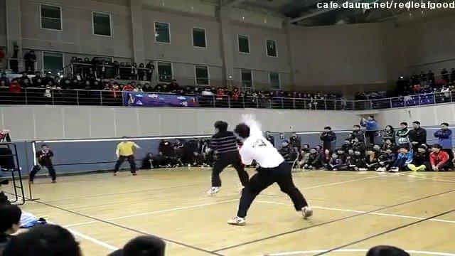 侧方视角——韩国男双表演赛(郑在成),这速度真快啊