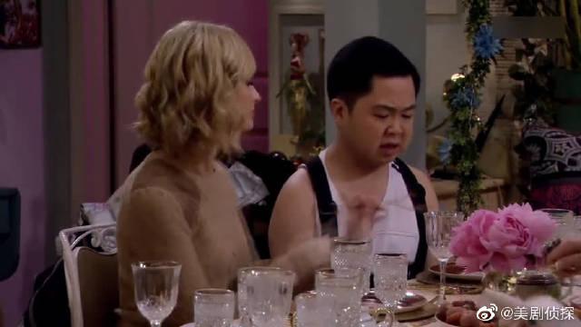 破产姐妹:奥列格带来了什么?麦克斯、卡洛琳瞬间看呆