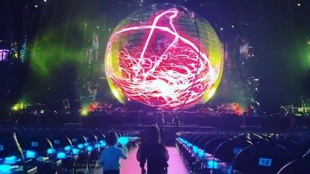 联诚发异形LED显示屏能量球P10燃爆周杰伦嘉年华上海演唱会!