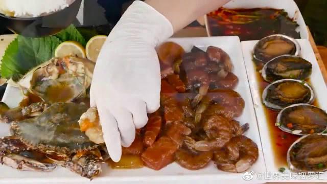 吃货大胃王试吃酱油螃蟹,这配米饭能好吃吗