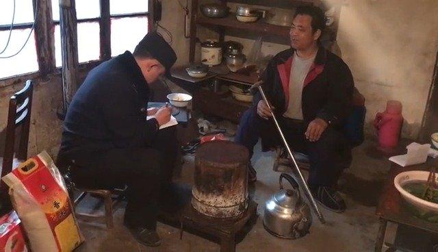 """九寨沟县公安局双河派出所扎实开展""""七进""""工作。22日"""