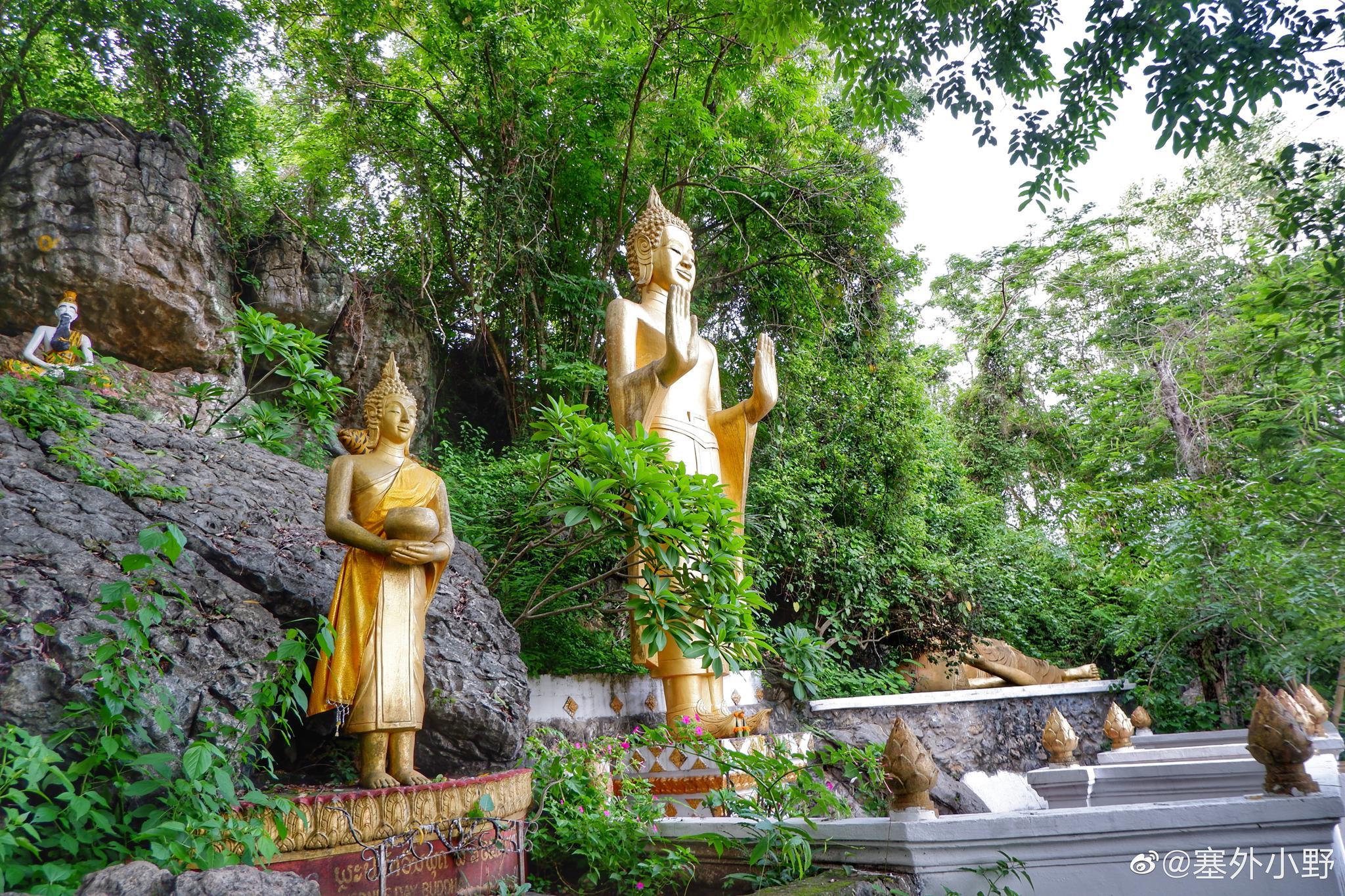 琅勃拉邦浦西山是城中的至高点,这是一座海拔不足200米