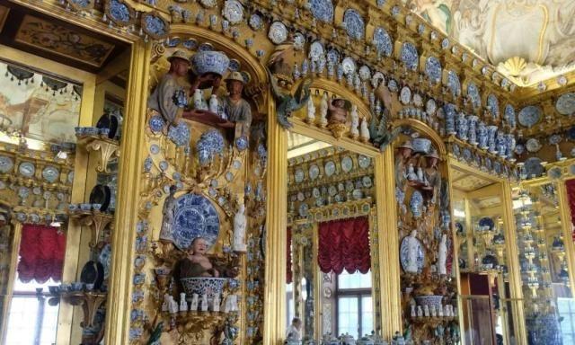 德国有一间中国瓷器屋,壮丽奢靡,布置了3000件瓷器!
