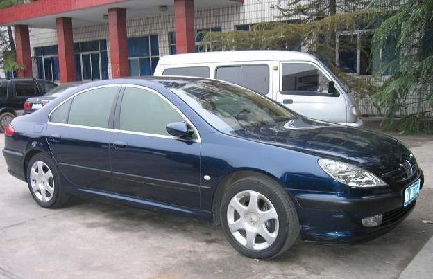标致607具有精炼和扎实,是种被大众接受的汽车代表