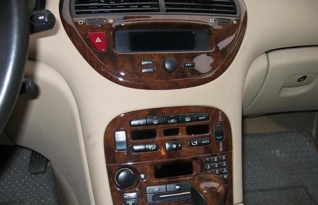标致607具有时尚和操控度,是个被人们熟知的汽车品牌