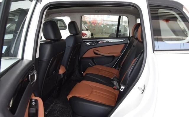 众泰大迈X5:外观设计比较新颖,性价比非常高