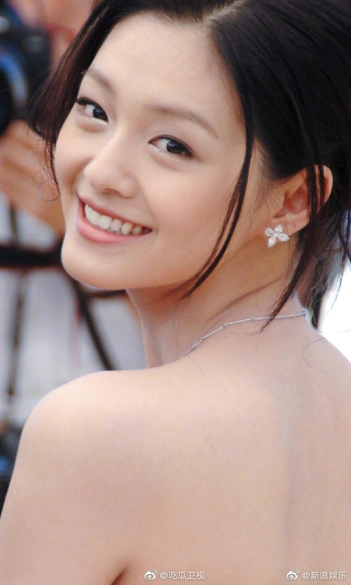 谁不喜欢当年年轻貌美灵气逼人的大s呢?少女笑靥如花当此一般