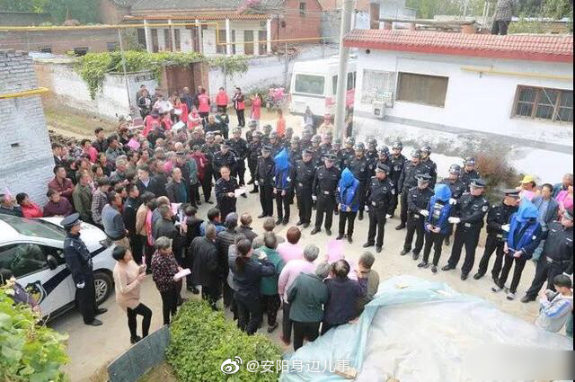 汤阴警方押解盗窃犯罪嫌疑人公开指认现场