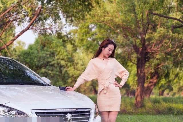 最喜欢的标致车模,淑女气质无人能敌,男的看了都动心