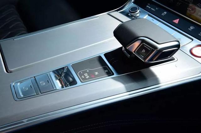 直男最想拥有的新款车:全新奥迪S6