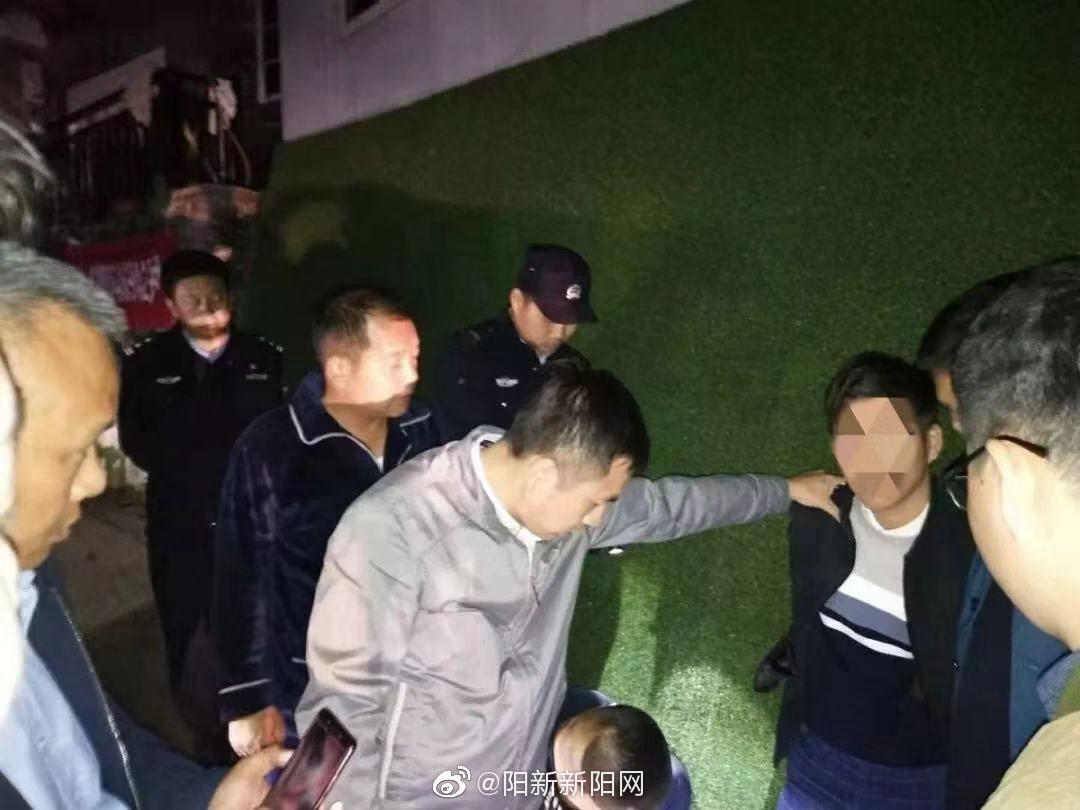 咸宁、阳新两地警方深夜寻踪追捕,成功抓获咸宁故意杀人案嫌犯