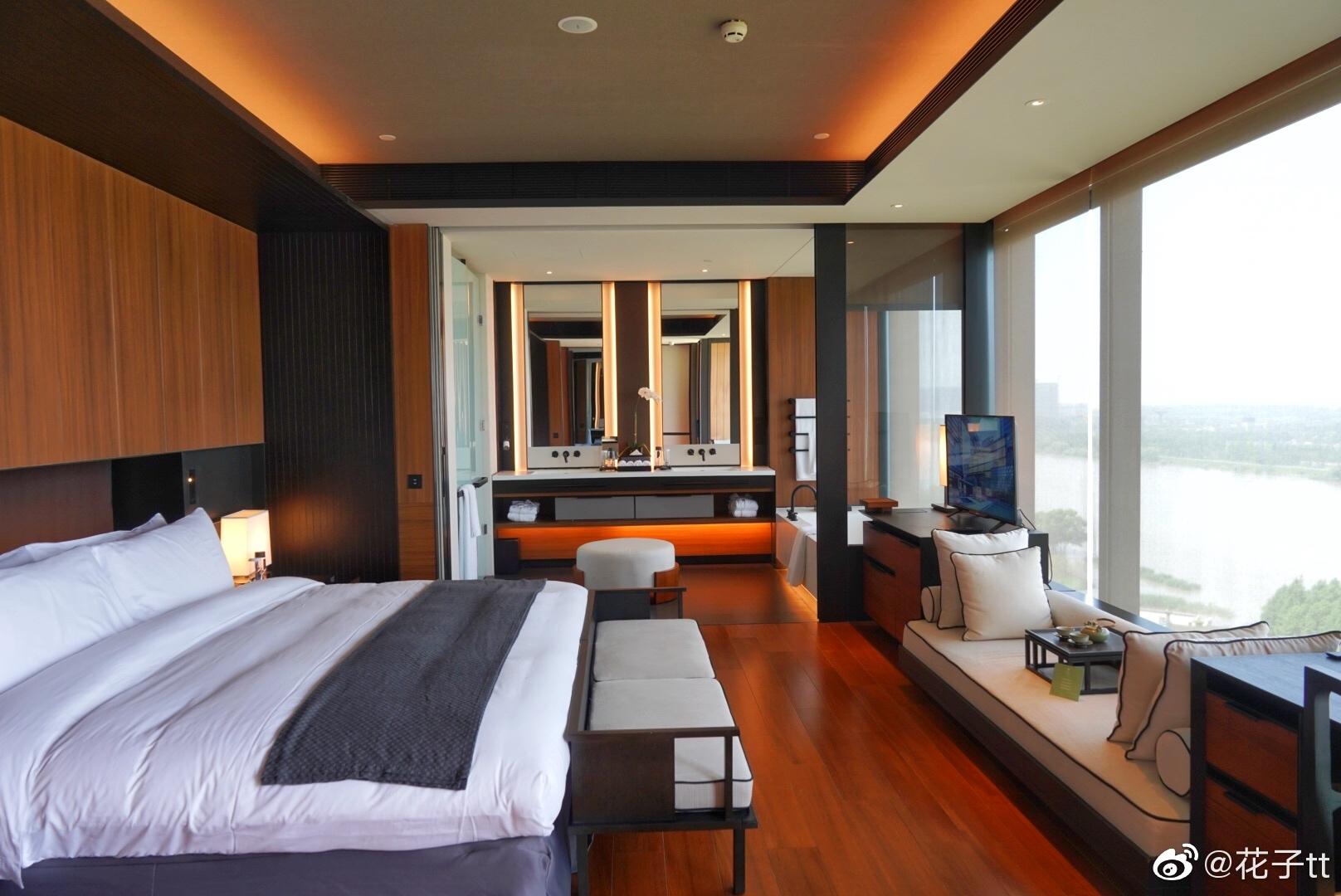 好多朋友问南京涵碧楼和青岛的哪家更好,才发现酒店的图都没有发