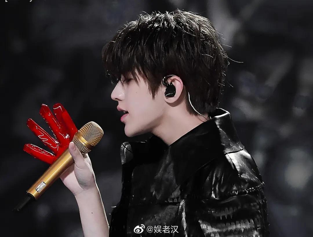 蔡徐坤对待舞台的态度就像他舞台展现出来的效果