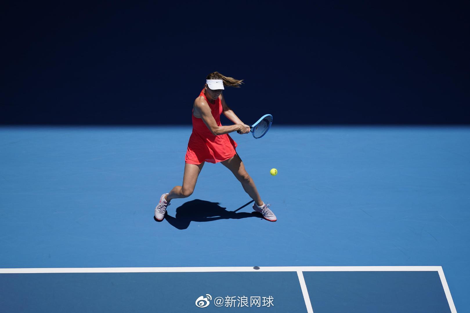 持外卡出战、排名第145位的前赛会冠军莎拉波娃错失第二盘4-1领先