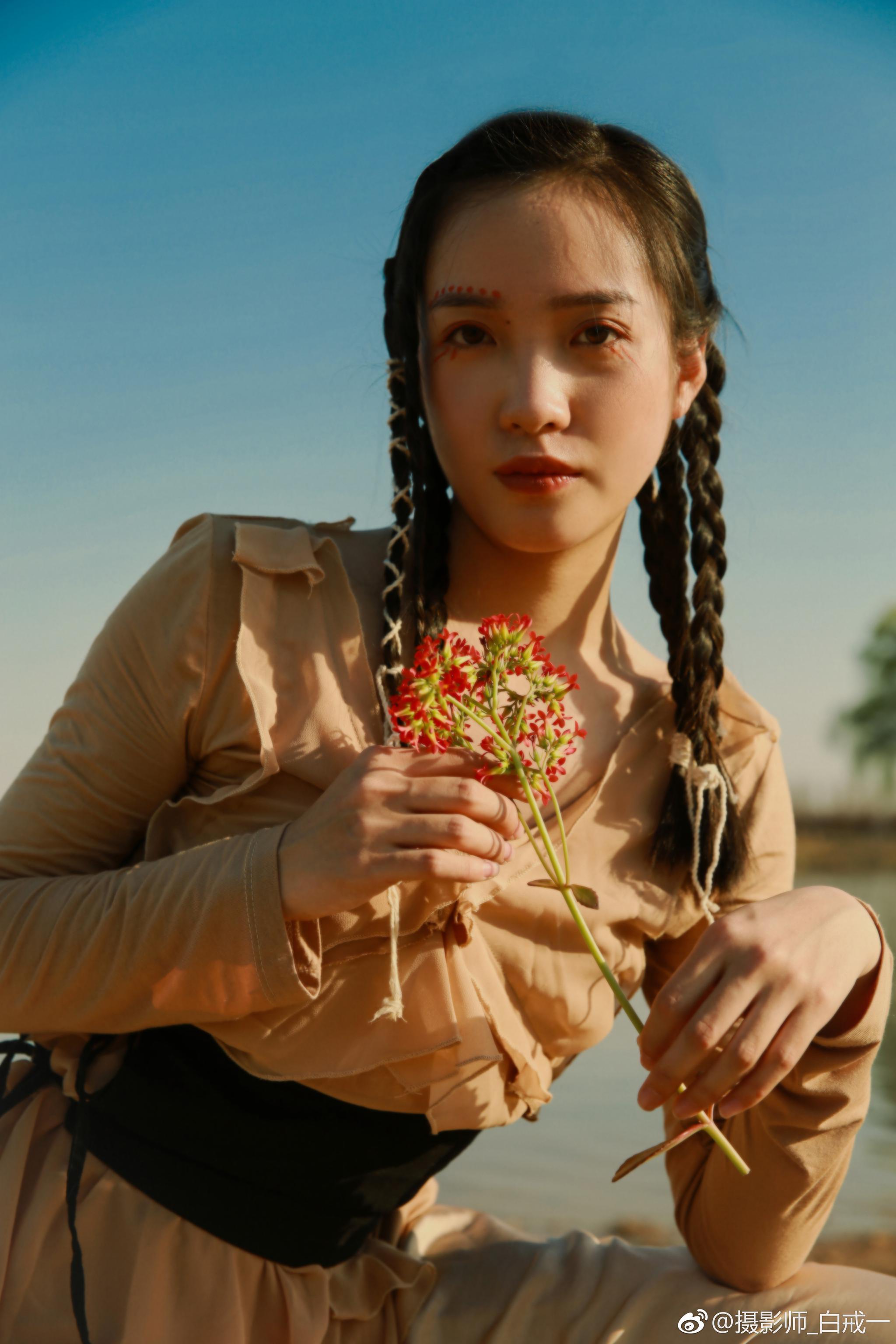 摄影策划:我|妆造:@July化妆间---肖小美 |出镜
