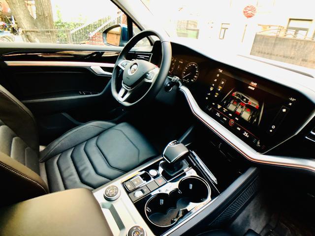 海王的最佳陆地座驾 车镜试驾全新一代途锐2.0TSI 锐翼版