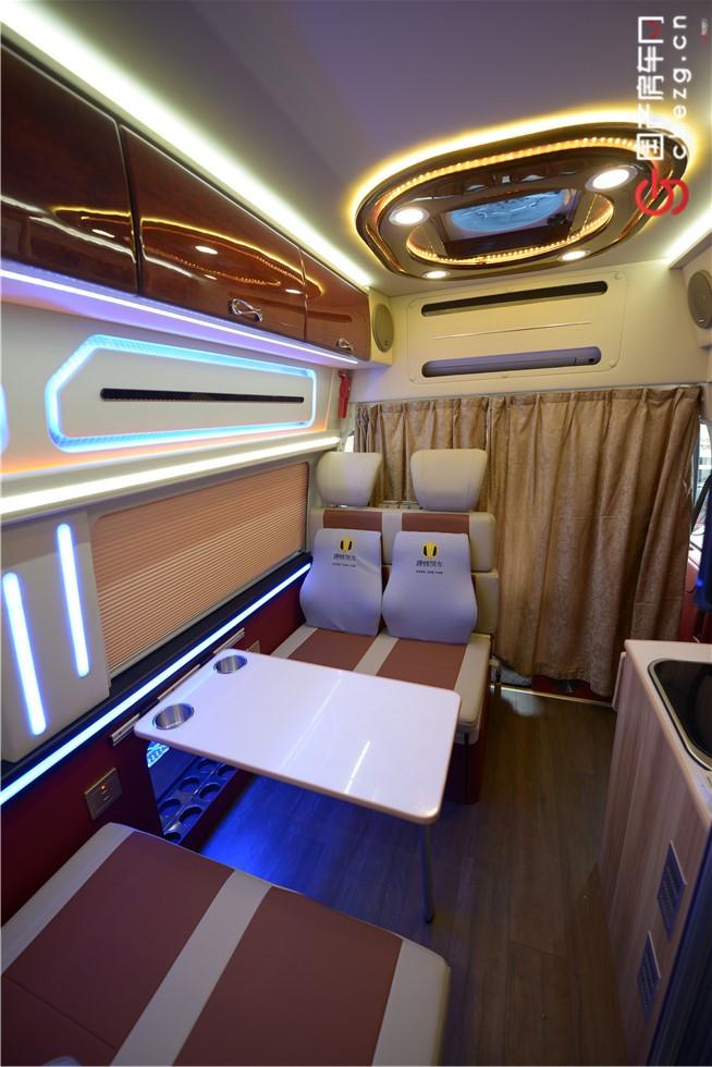 可谓性价比最高的全顺商旅房车|实拍趣蜂福特全顺B型商旅房车