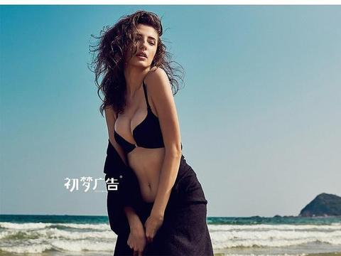 海滩——泳衣内衣