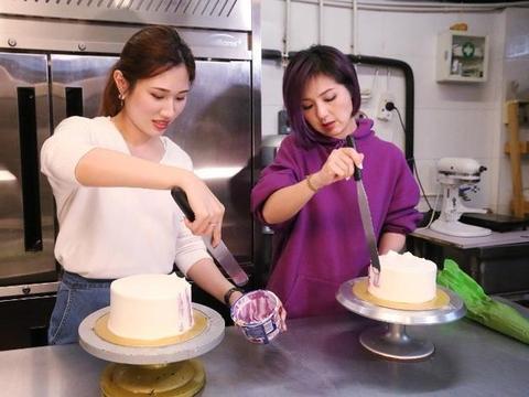 杨千嬅与粉丝一起做蛋糕 现场教学姐弟恋保鲜法