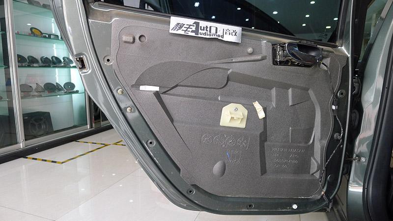 老车也追求着新变化 昆明标致307音响系统改装案例分享