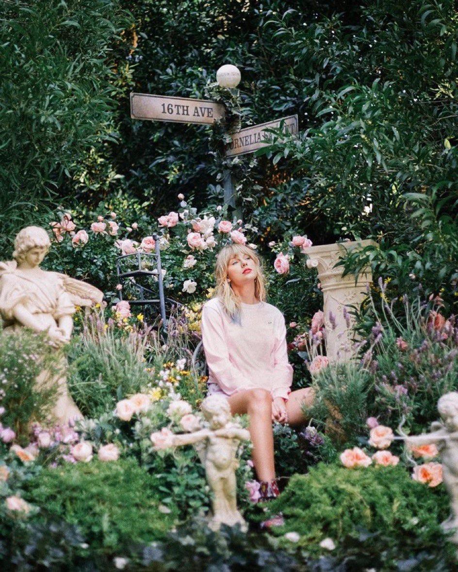 霉霉Taylor Swift更多Lover新专辑写真宣传照来啦!!