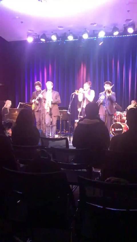 伯克利音乐学院看他们的学生汇报演出~全场自作曲的节奏