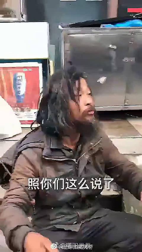 流浪汉沈威倡导垃圾分类,上海人曾说他脑子有病