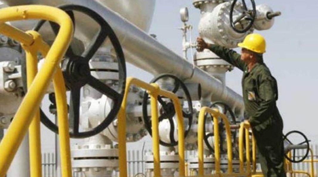 实力猛增3成,关键时刻伊朗发现530亿桶石油,但麻烦也接踵而至