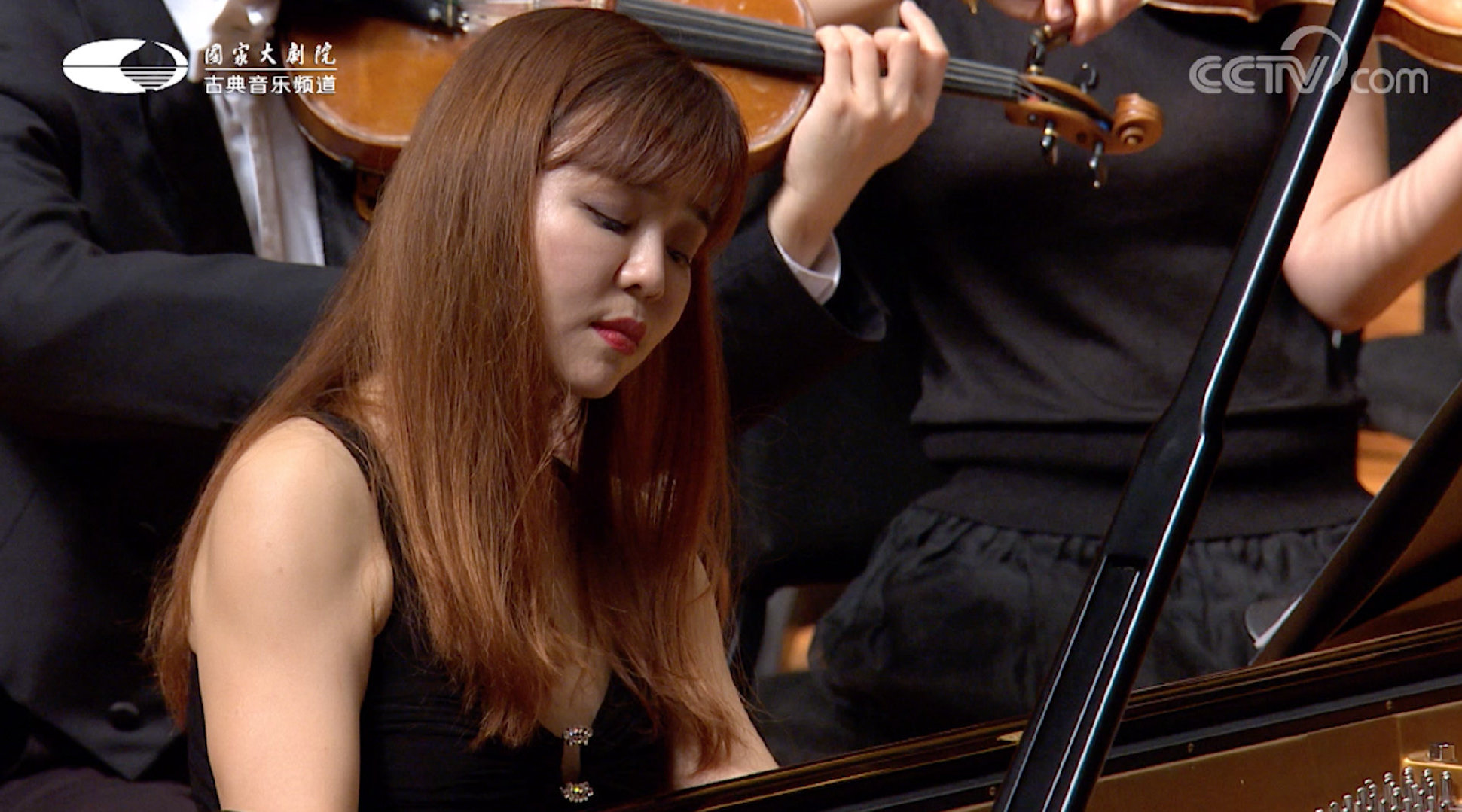来欣赏昨晚音乐会的精彩选段吧~F小调第二号钢琴协奏曲 第二乐章