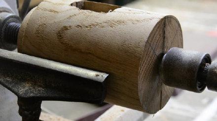 做个锤子,还是木头的,用了一整天时间,有人说还不如买一把呢