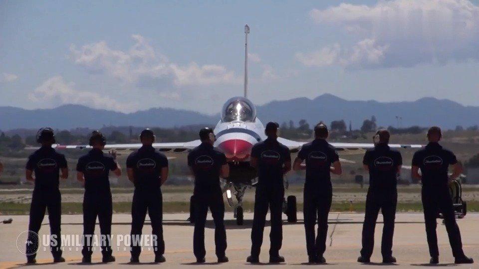 美国空军雷鸟战机性能展示