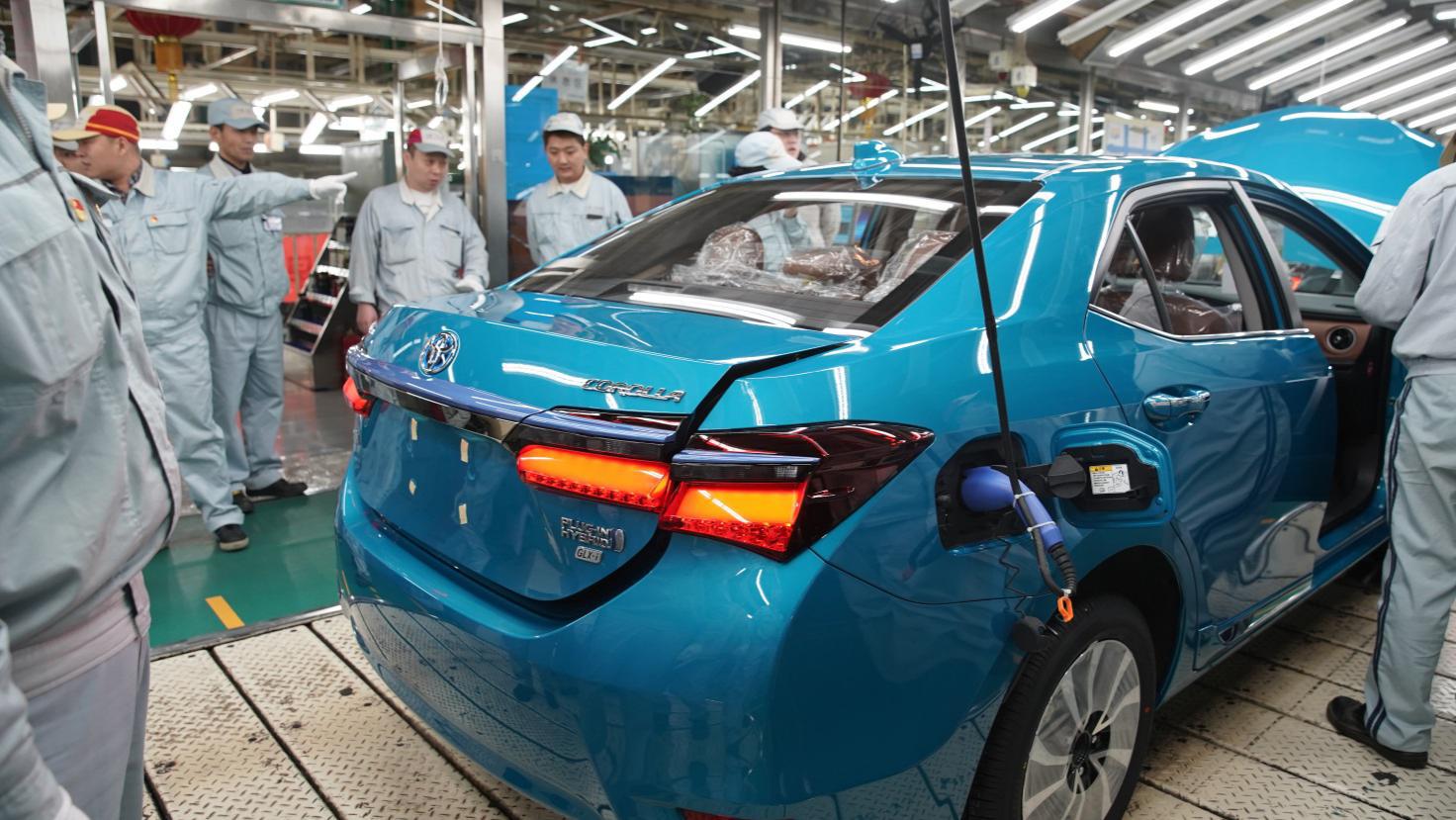 一汽丰田首款新能源车型 卡罗拉双擎E+下线投产
