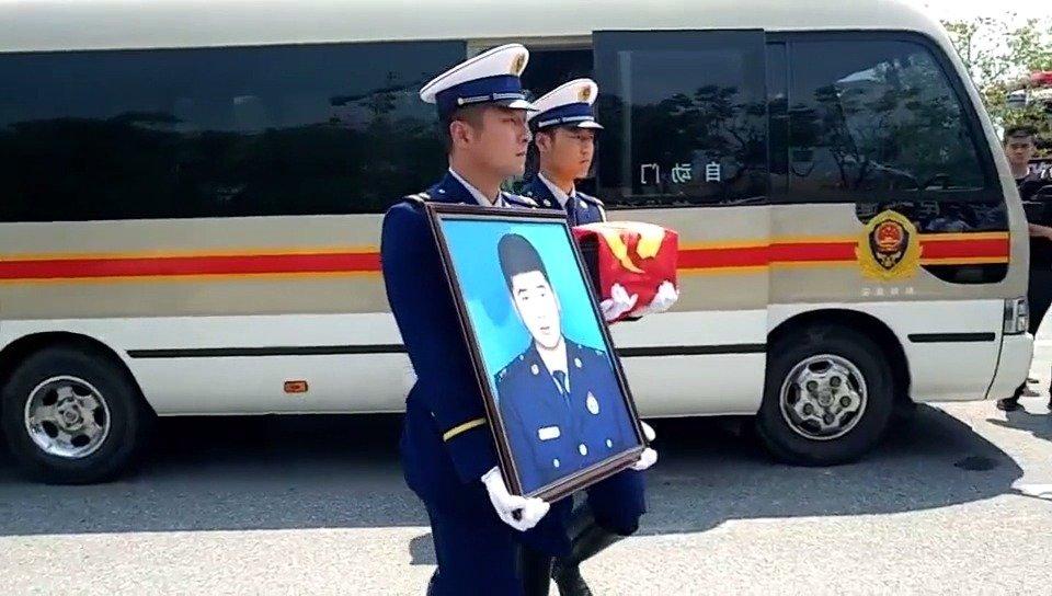 英雄回家!孙雷宇,烈士一路走好……