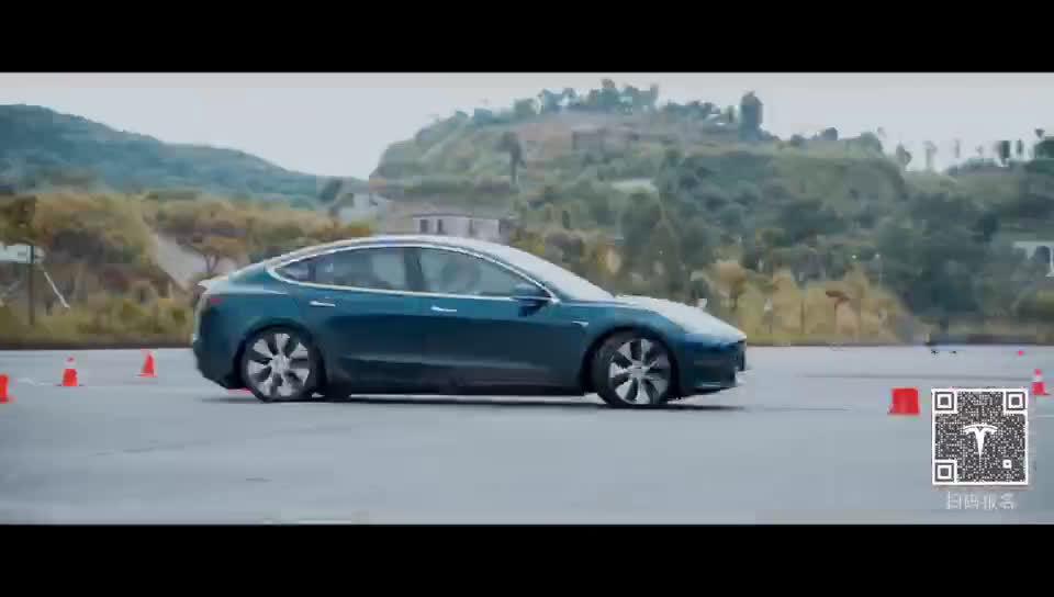 Tesla 性能驾驶学院华南站,与速度来一场竞逐