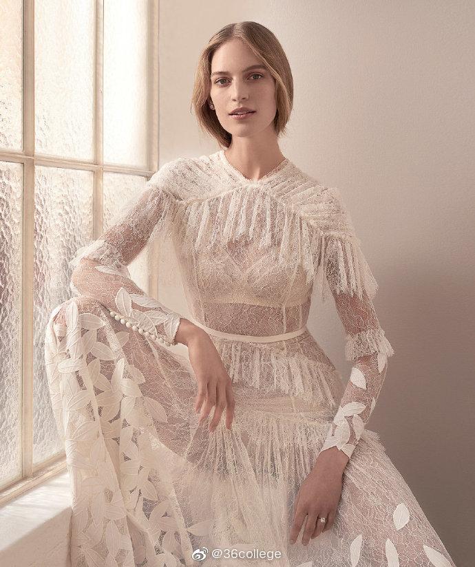 Vogue Brides AustraliaVanessa Axente by Holly Ward