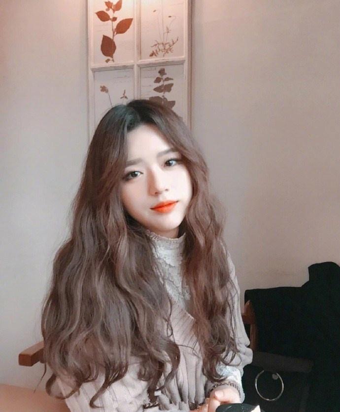 甜系少女波浪卷,发色为蜜茶色,怎么样? (**)