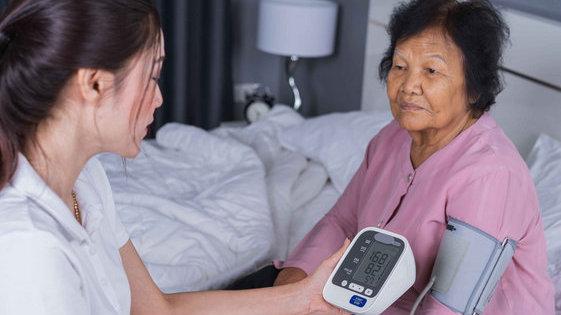 心血管频发多半是高血压的杰作,这3件事做错了,血压会居高不下