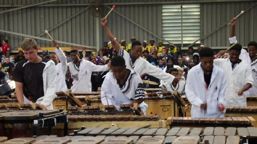 """手速与控制力爆表,这群南非小哥哥用全身肌肉弹奏""""马林巴""""!"""