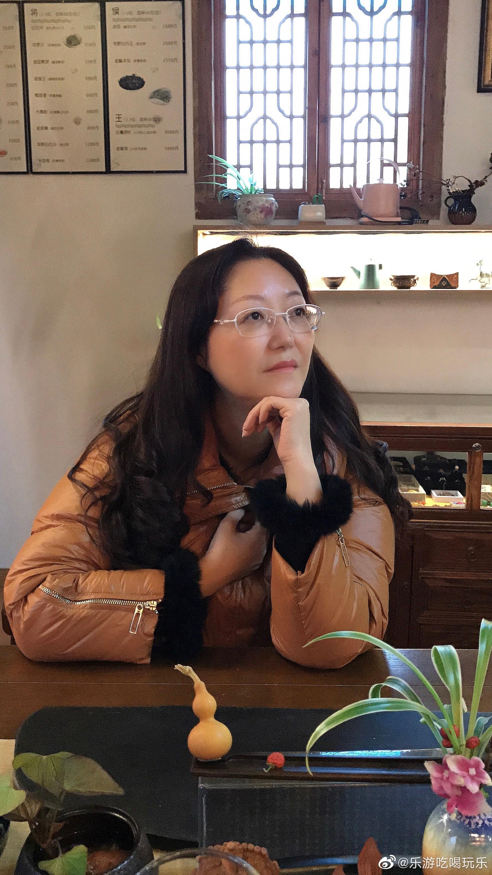 上海田子坊是里弄民居味道,弄堂里除了创意店铺和画廊、摄影展